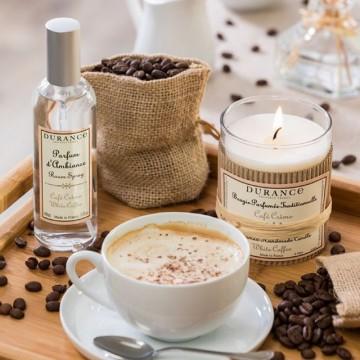 🇫🇷Как и все во Франции, свечи Durance имеют особую романтику 🕯 . Они изготовлены из натурального воска и природных аромамасел с хлопковым фитилём🙌 . В наличии более 15 ароматов с говорящими и безумно притягательными названиями: ✨Цветок мускуса ✨Слива Мирабель ✨Дерево Кашмира ✨Белый кофе ✨Чёрная кожа ✨Серебряный кедр ✨Драгоценное дерево ✨Сочный гранат ✨Сладость инжира ✨Печенье Мадлен ✨Сосны Прованса ✨Белый чай ✨Тонка ✨Вербена ✨Дерево оливы ✨Антитабак . 🏩Ждём вас в нашем шоу-руме на дизайн-заводе Flacon!